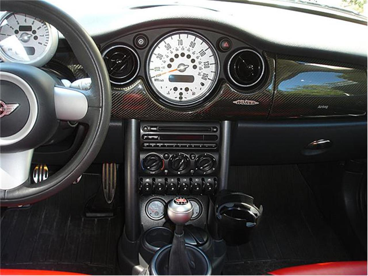 Large Picture of 2004 MINI Cooper located in Florida Offered by Classic Dreamcars, Inc. - 9J85