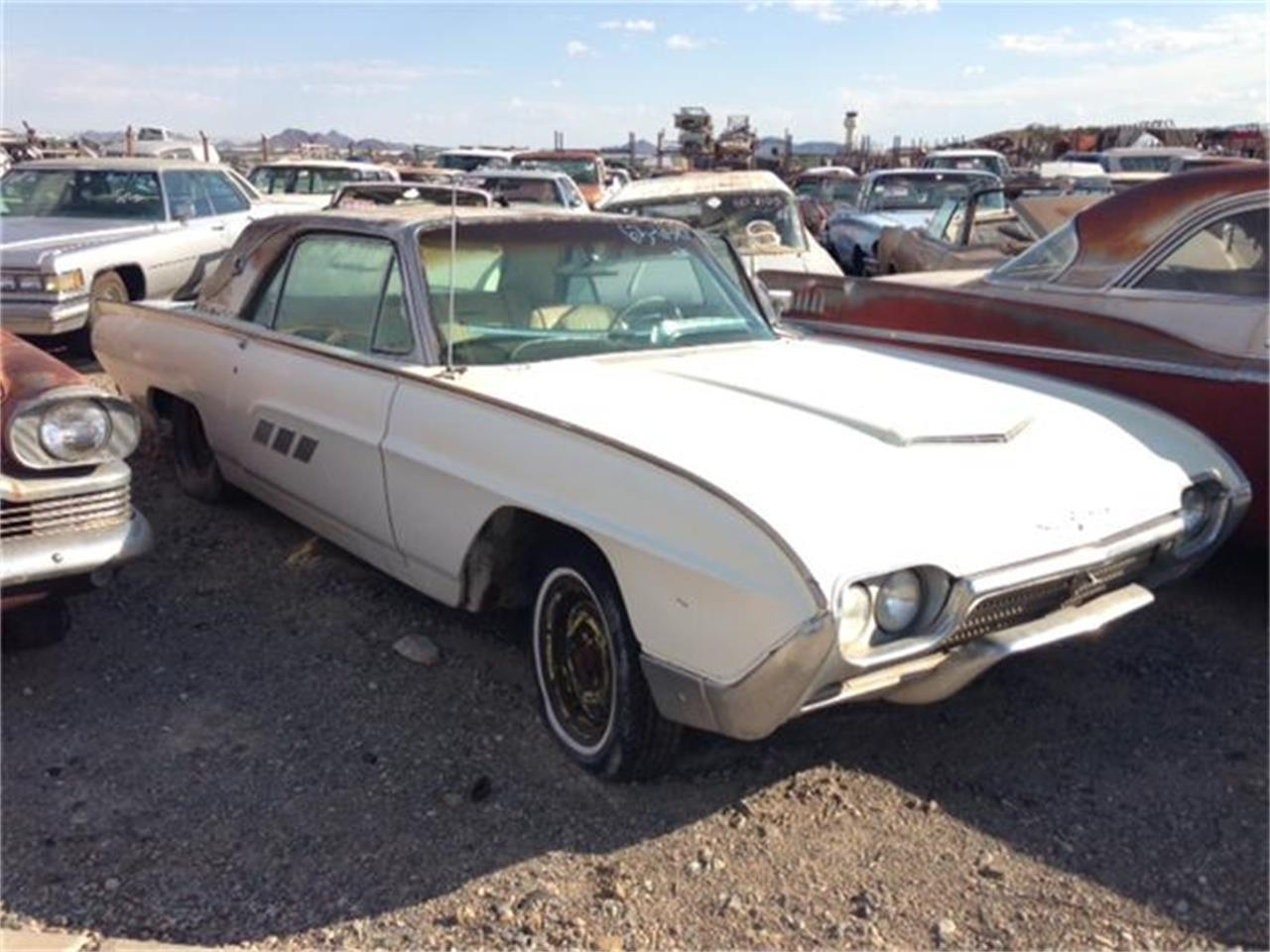 Large Picture of '63 Thunderbird located in Phoenix Arizona - $4,900.00 Offered by Desert Valley Auto Parts - 9LYK