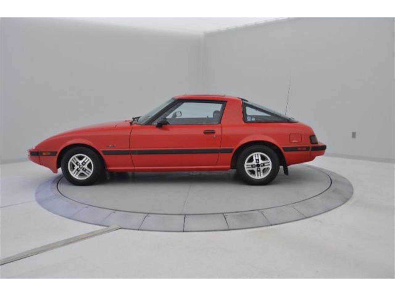 Large Picture of '83 Mazda RX-7 located in Hickory North Carolina - $18,995.00 - 9RP4
