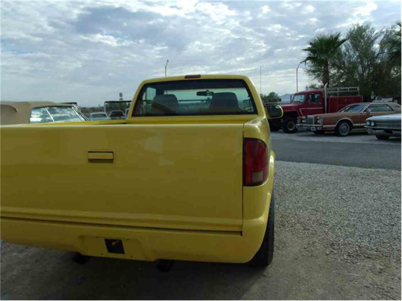 Large Picture of 2000 GMC Sonoma located in Quartzsite Arizona Offered by Desert Gardens Classic Cars - 9TXO
