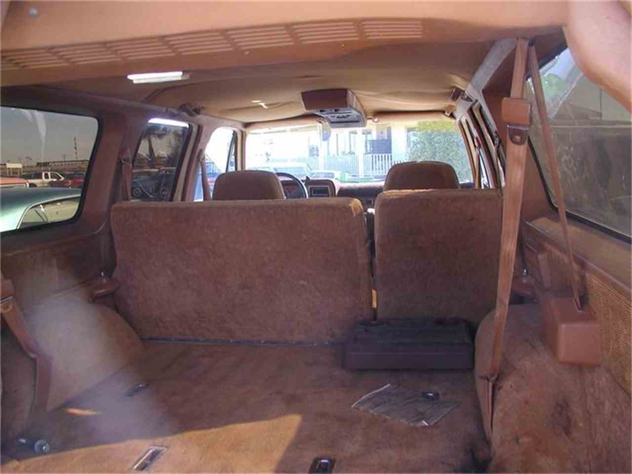 Large Picture of '89 Suburban - 9U9W