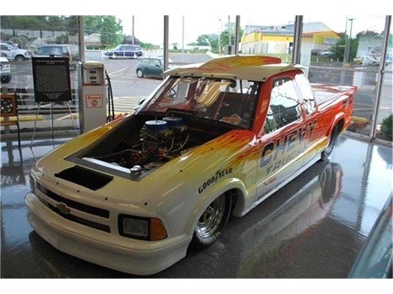 Large Picture of '98 Chevrolet S10 Auction Vehicle Offered by L.R.A. Enterprises Auto Museum & Sales - 9ZVC