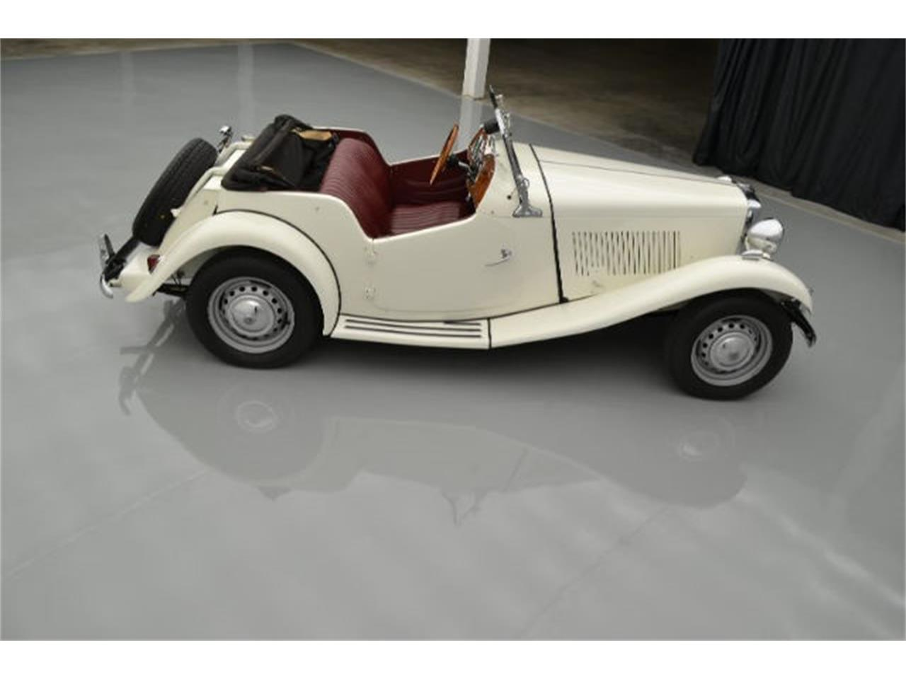 Large Picture of 1952 MG TD located in North Carolina Offered by Paramount Classic Car Store - 9VJL