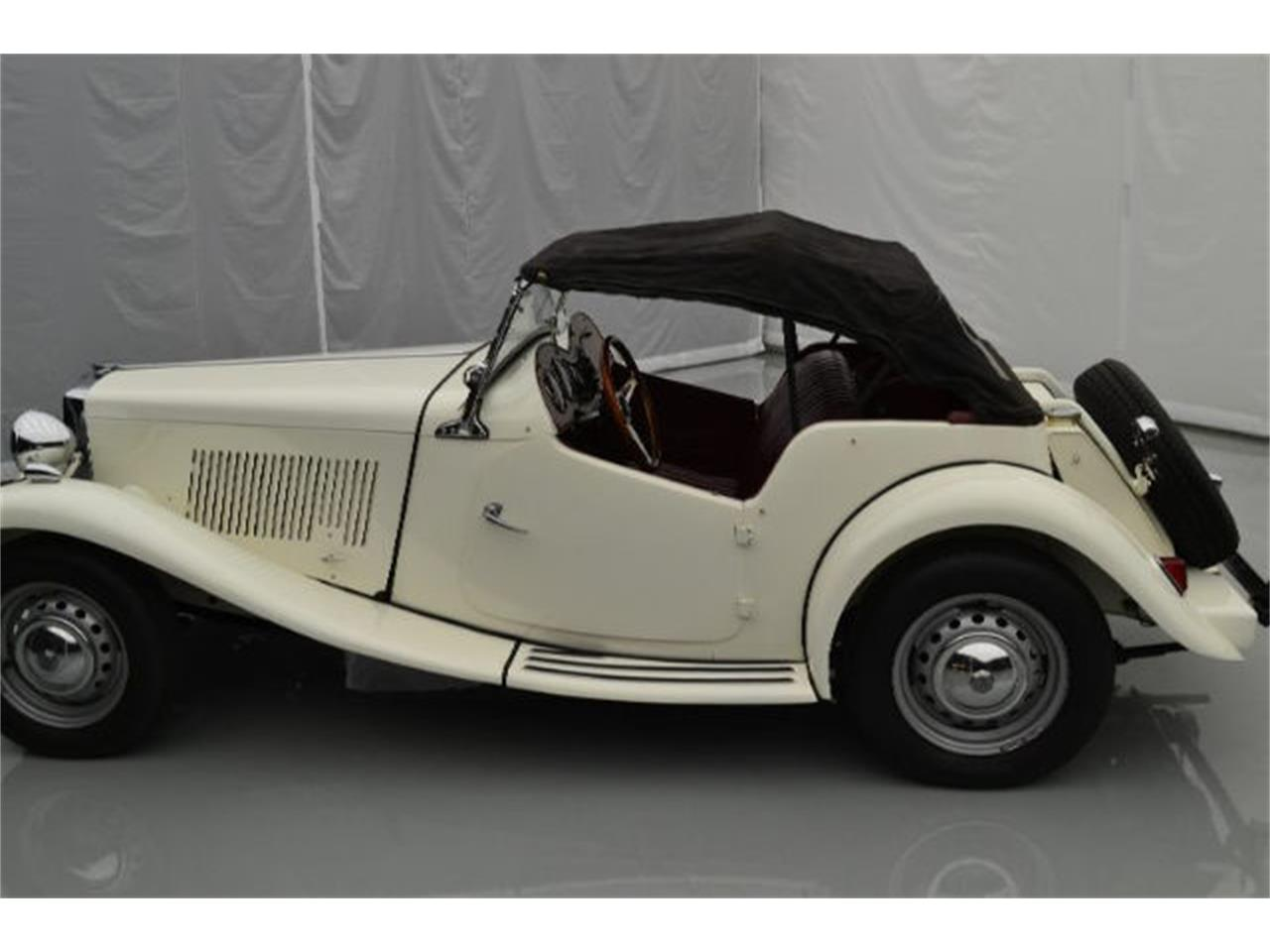 Large Picture of '52 MG TD - 9VJL
