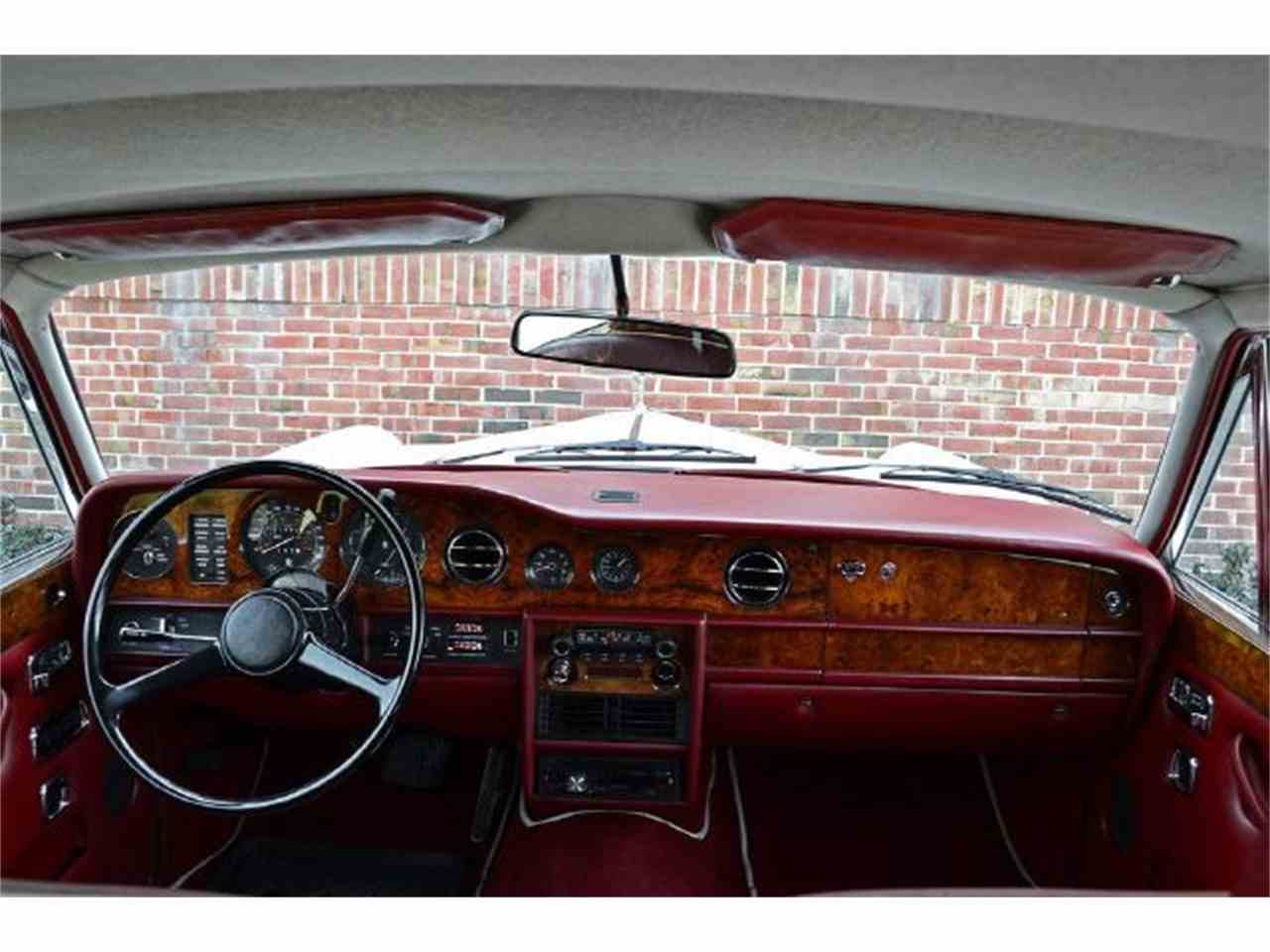 Large Picture of '73 Rolls-Royce Silver Shadow located in Illinois Auction Vehicle Offered by Park-Ward Motors - A949