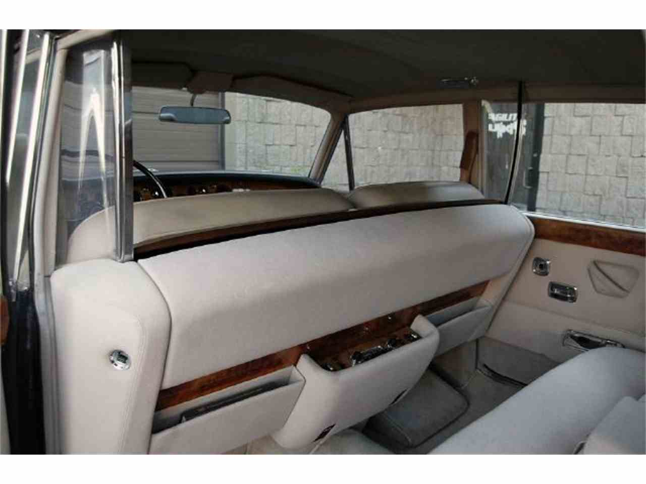 Large Picture of Classic 1973 Rolls-Royce Silver Shadow located in Illinois Auction Vehicle Offered by Park-Ward Motors - A949