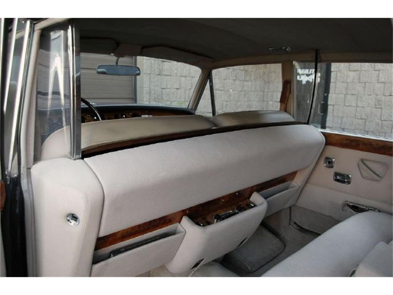 Large Picture of '73 Silver Shadow - A949