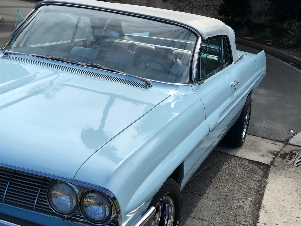 Large Picture of 1961 Pontiac Bonneville located in Cot de Caza California - ASQZ
