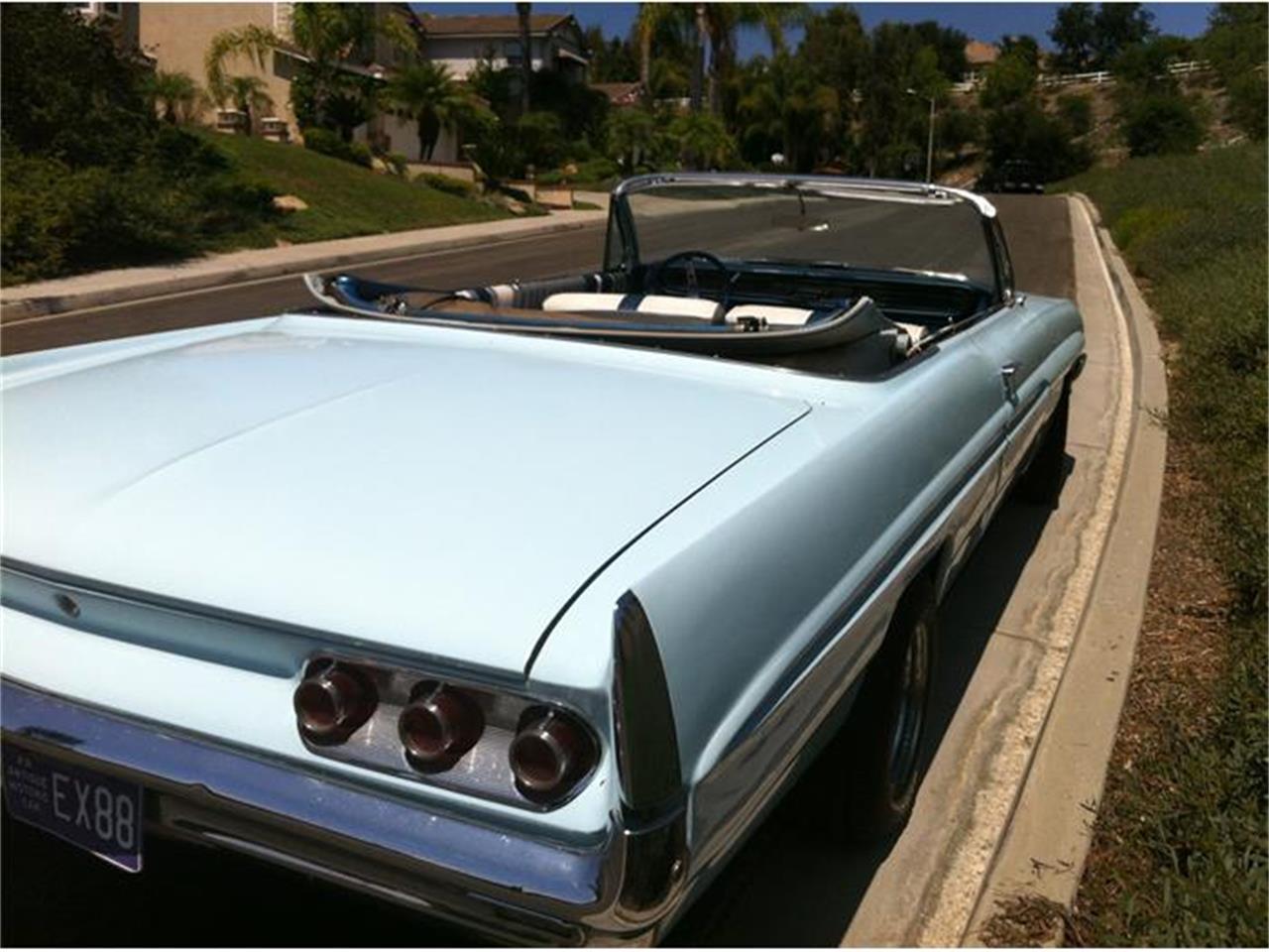 Large Picture of '61 Pontiac Bonneville located in Cot de Caza California - ASQZ