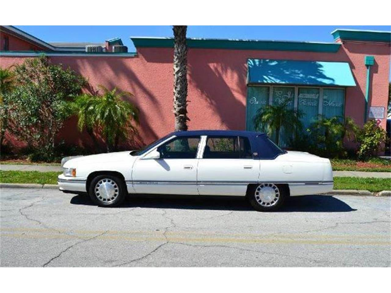 Large Picture of 1996 Cadillac DeVille - AW1F
