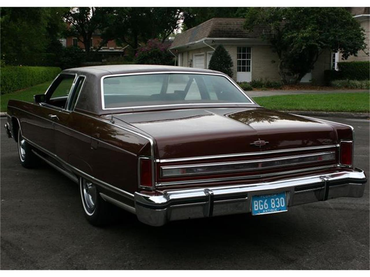 Large Picture of 1977 Lincoln Town Coupe - $19,500.00 - B150
