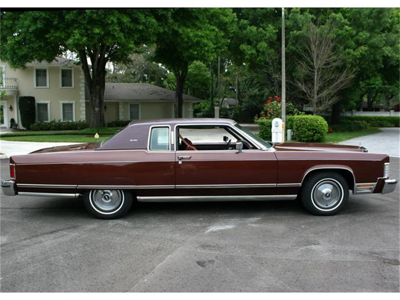 Large Picture of 1977 Town Coupe - $19,500.00 Offered by MJC Classic Cars - B150