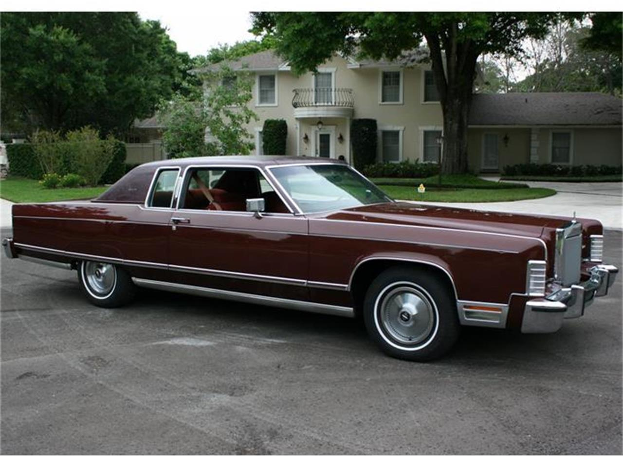 Large Picture of 1977 Town Coupe Offered by MJC Classic Cars - B150