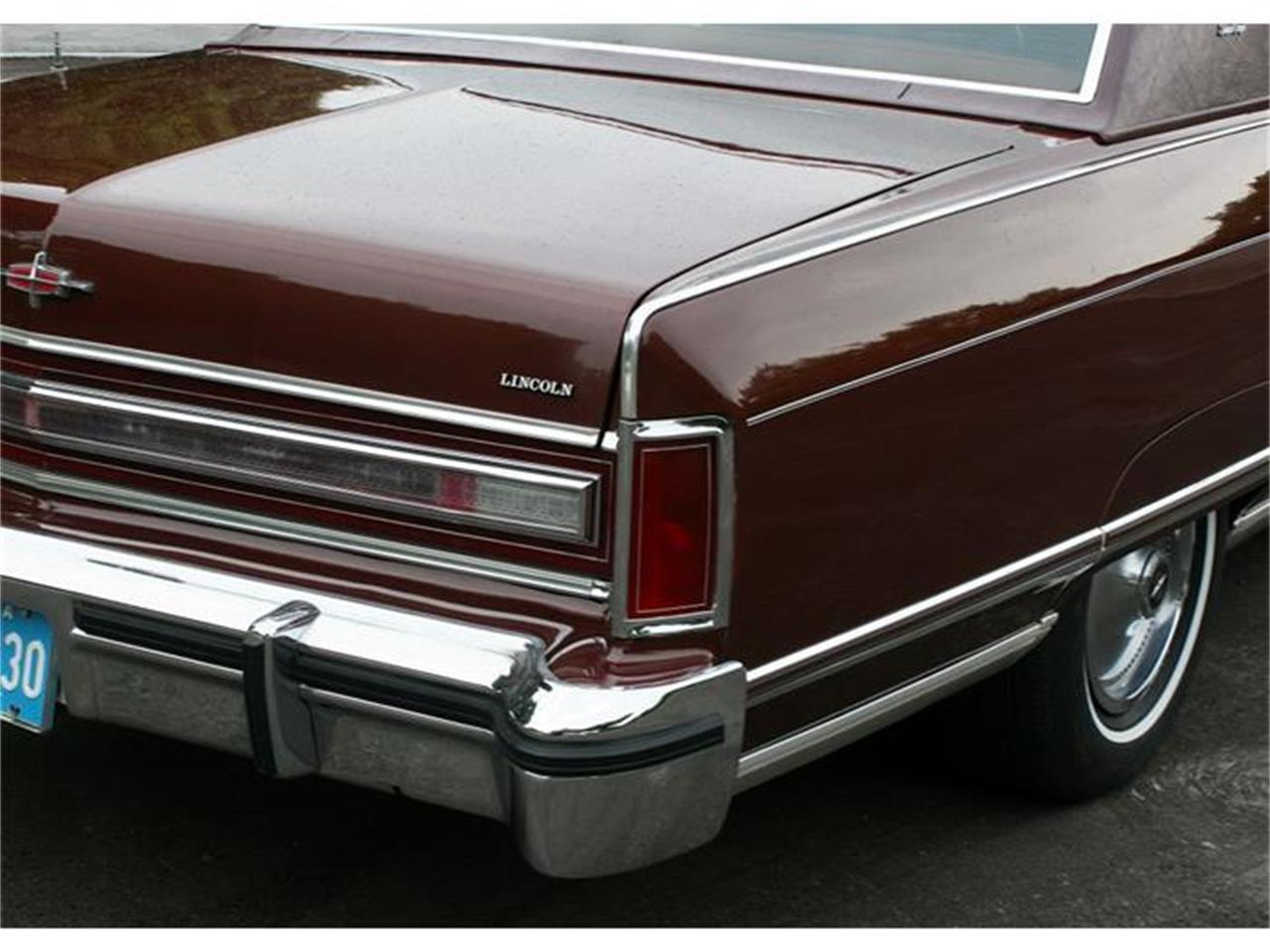 Large Picture of '77 Town Coupe Offered by MJC Classic Cars - B150