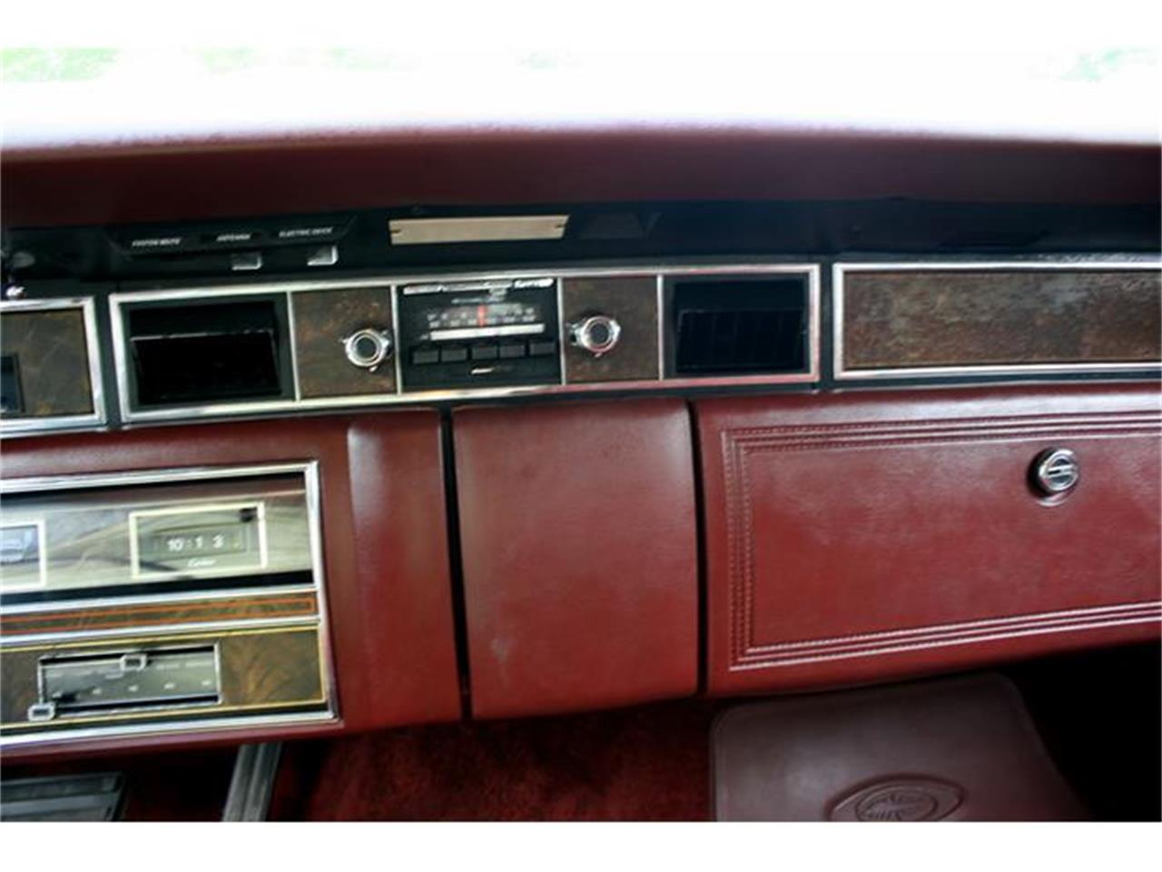 Large Picture of '77 Lincoln Town Coupe - B150