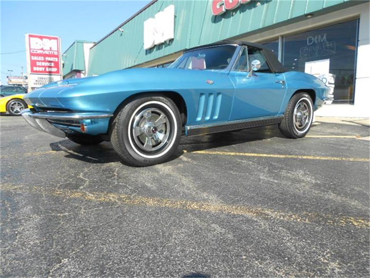 Large Picture of 1966 Corvette located in Downers Grove Illinois Offered by D & M Corvette Specialists LTD - B2SE