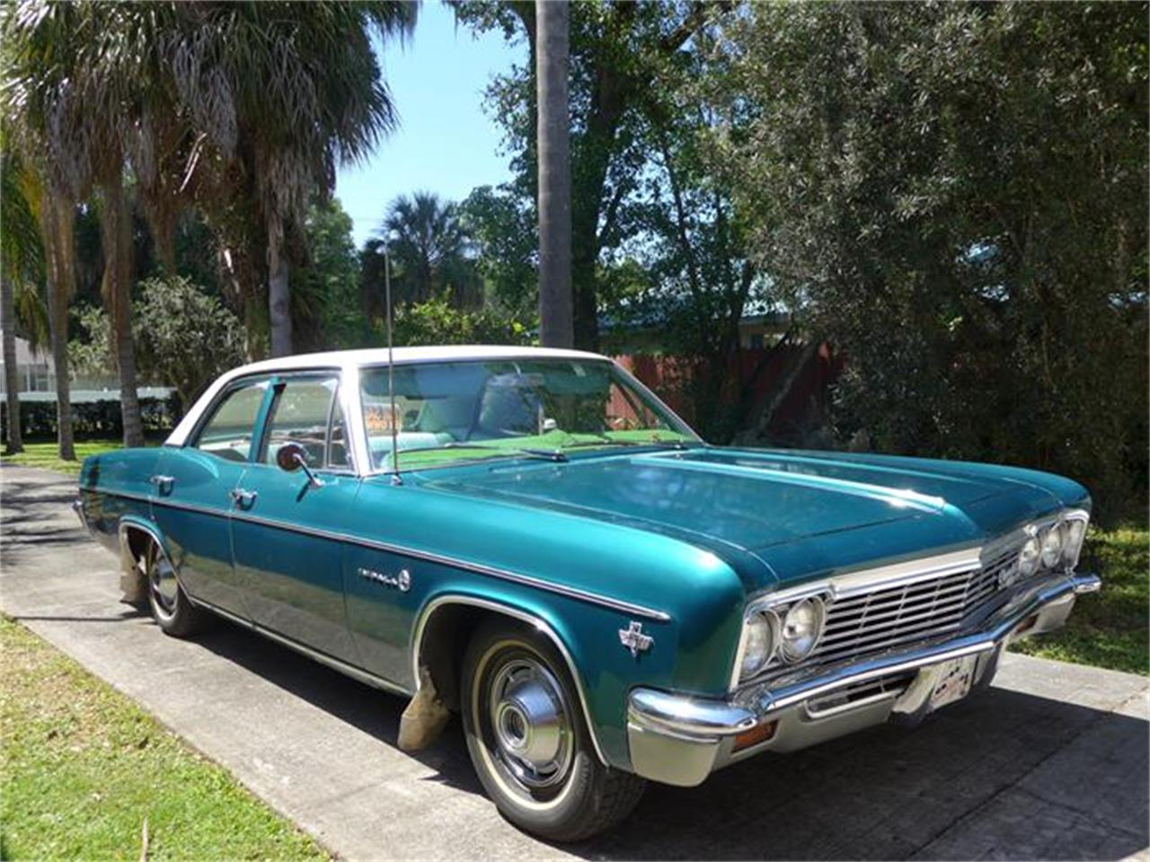 Large Picture of Classic '66 Chevrolet Impala located in Florida - B878