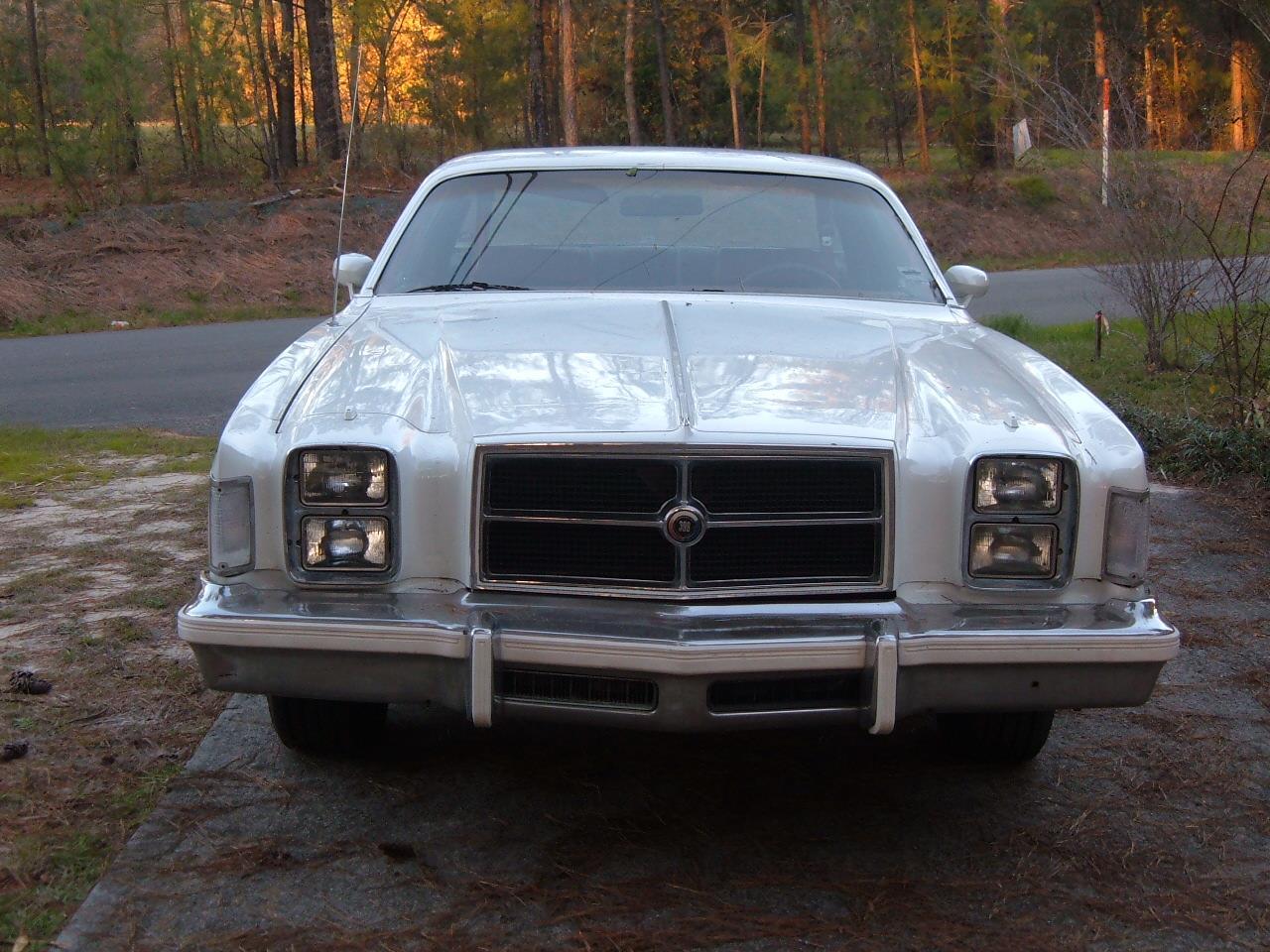 Large Picture of '79 Chrysler 300 located in Georgia - C2IN