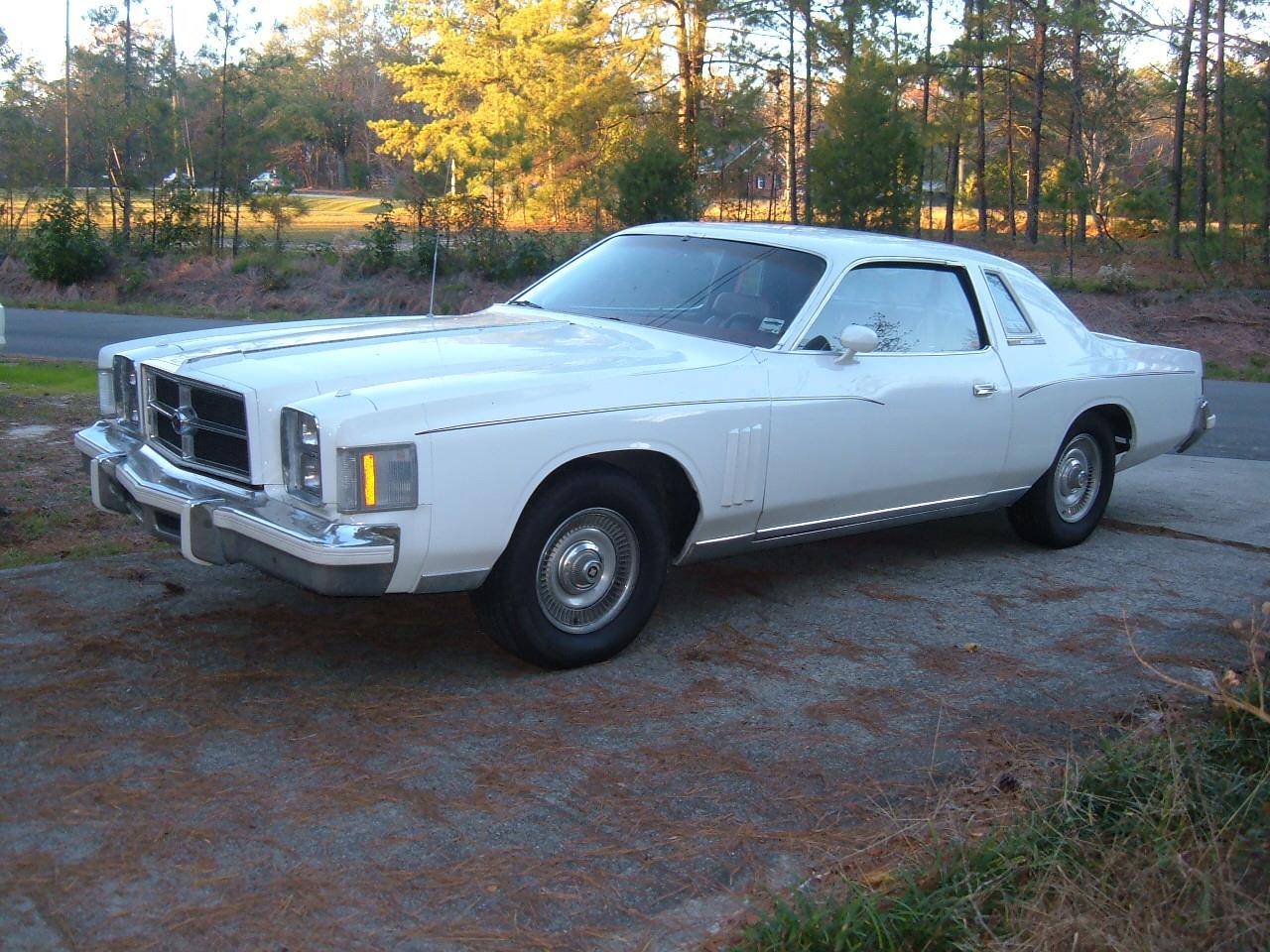 Large Picture of '79 Chrysler 300 Offered by a Private Seller - C2IN
