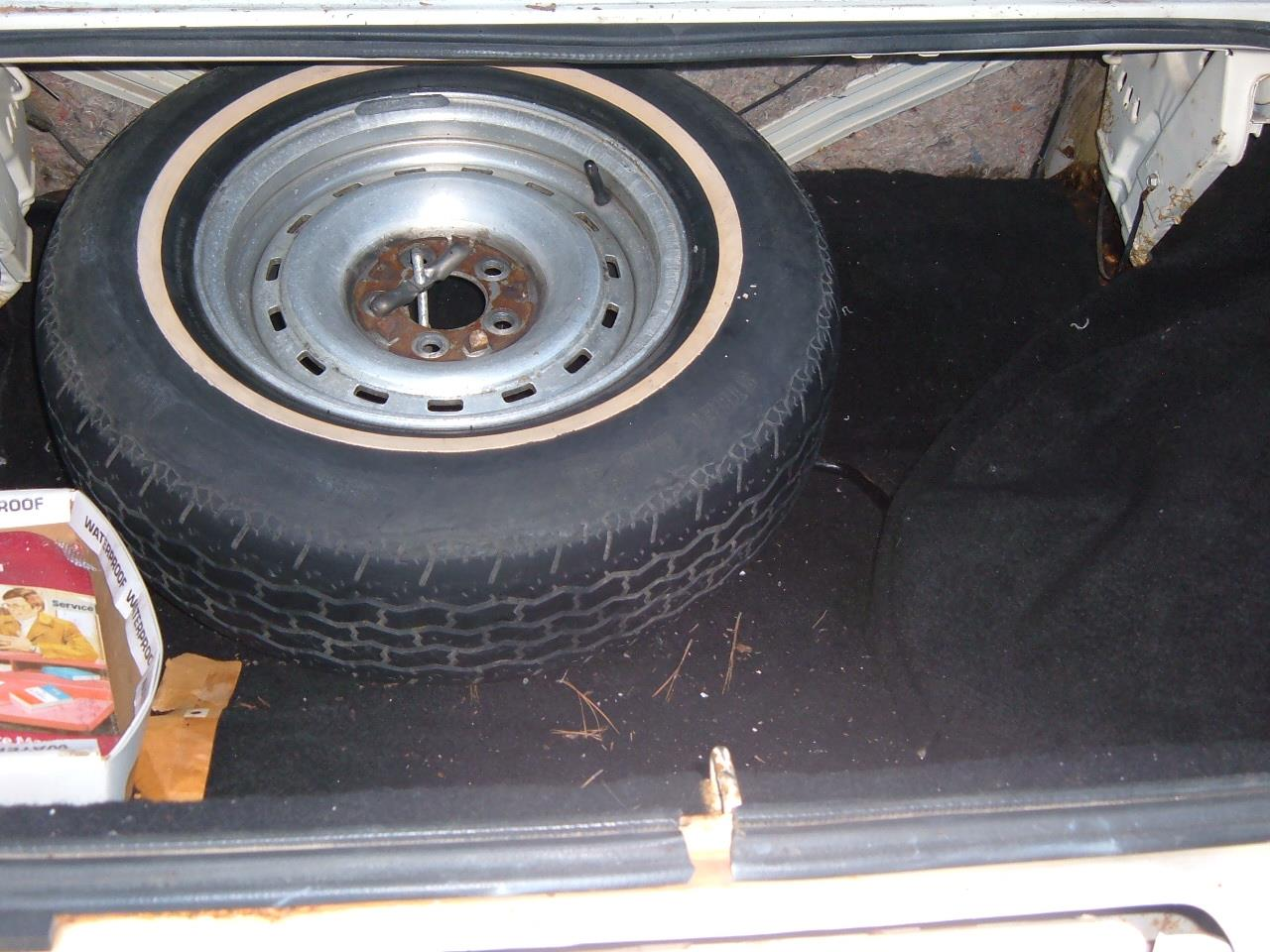 Large Picture of '79 Chrysler 300 - C2IN