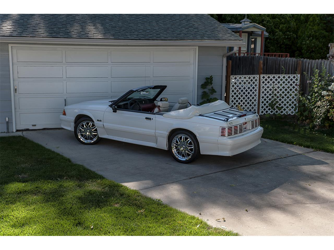 Large Picture of '90 Mustang GT - C49X
