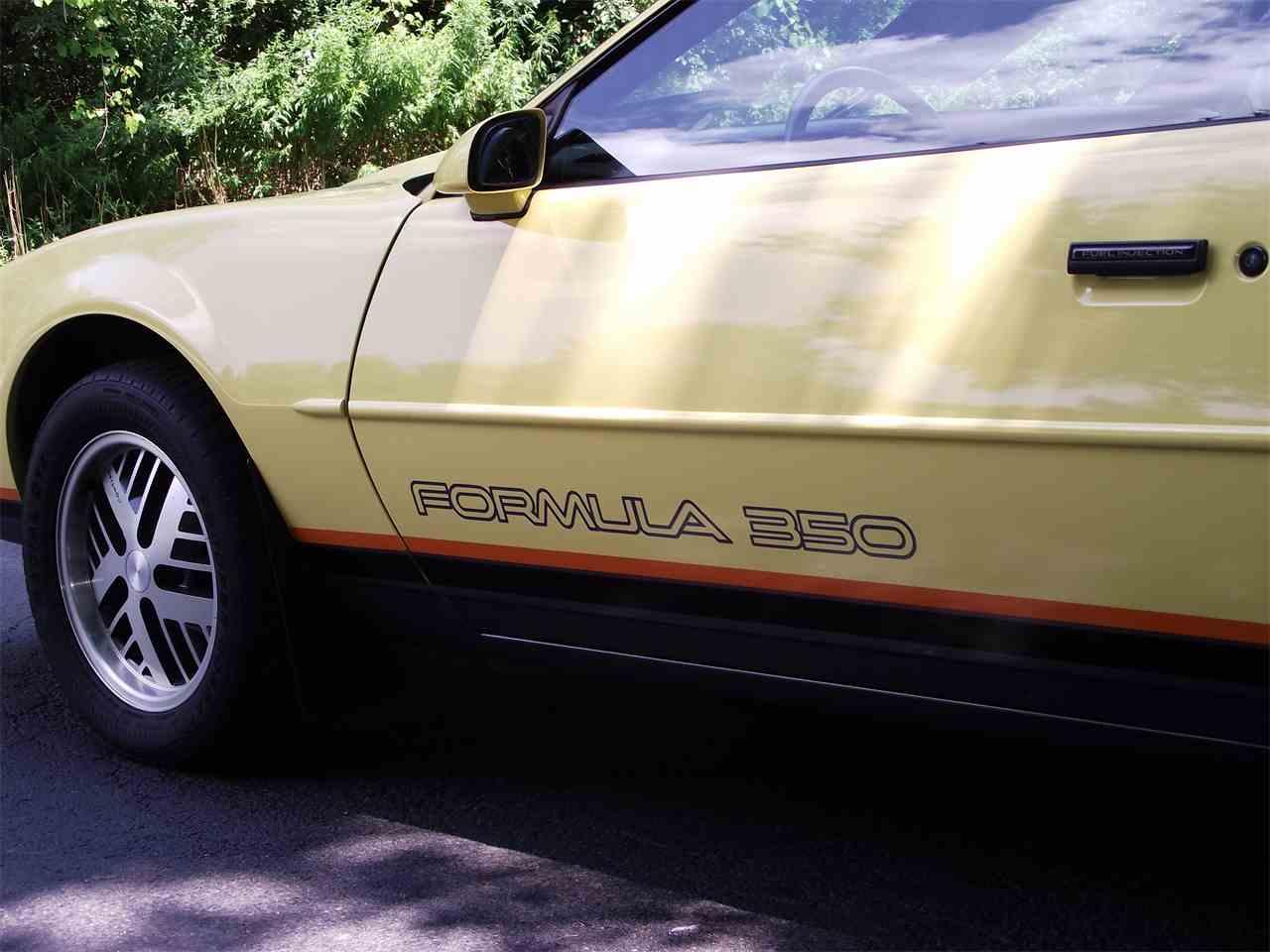Large Picture of '87 Pontiac Firebird Formula - C5ZN
