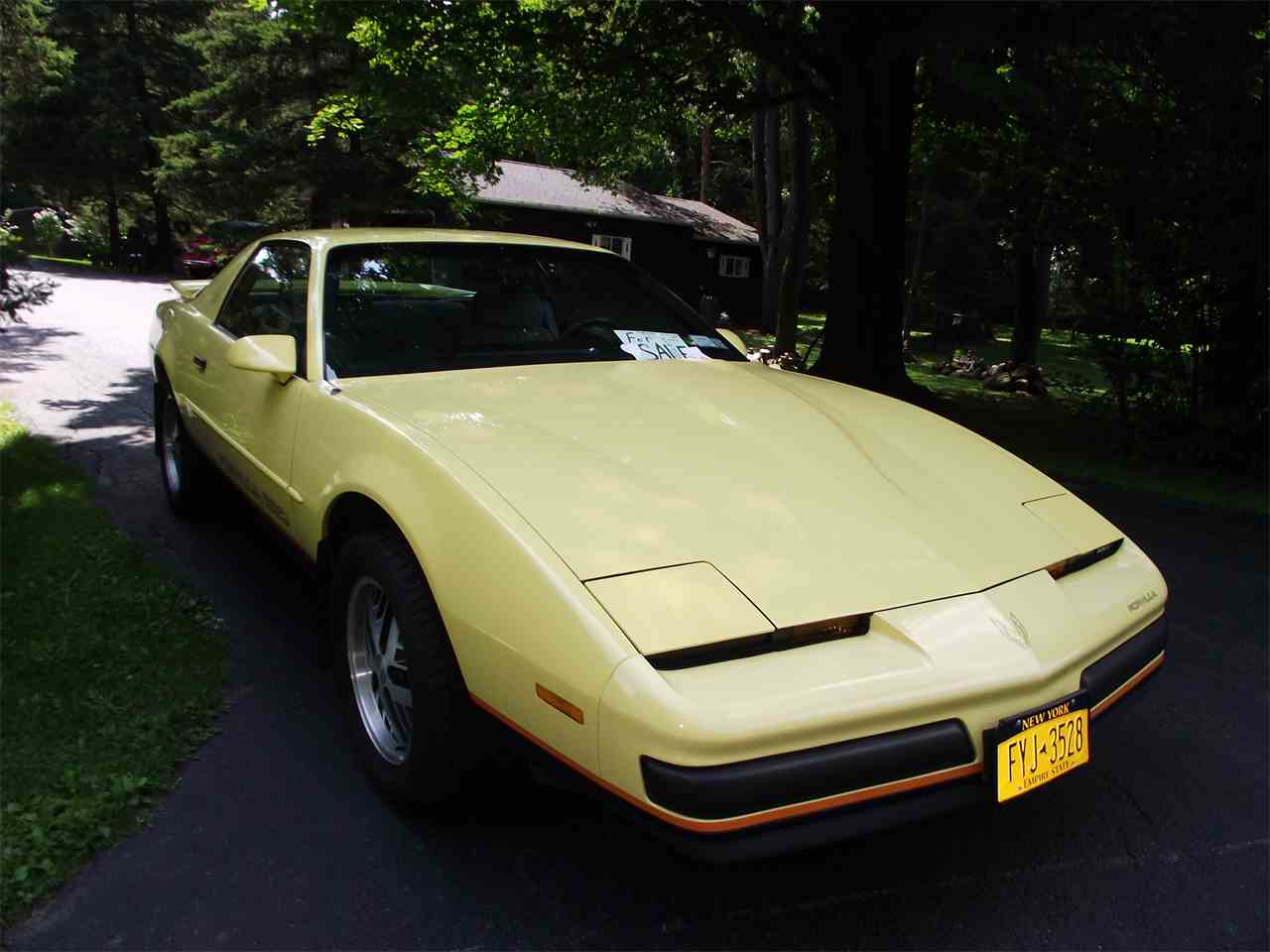 Large Picture of 1987 Firebird Formula located in Palmyra New York - $14,000.00 Offered by a Private Seller - C5ZN