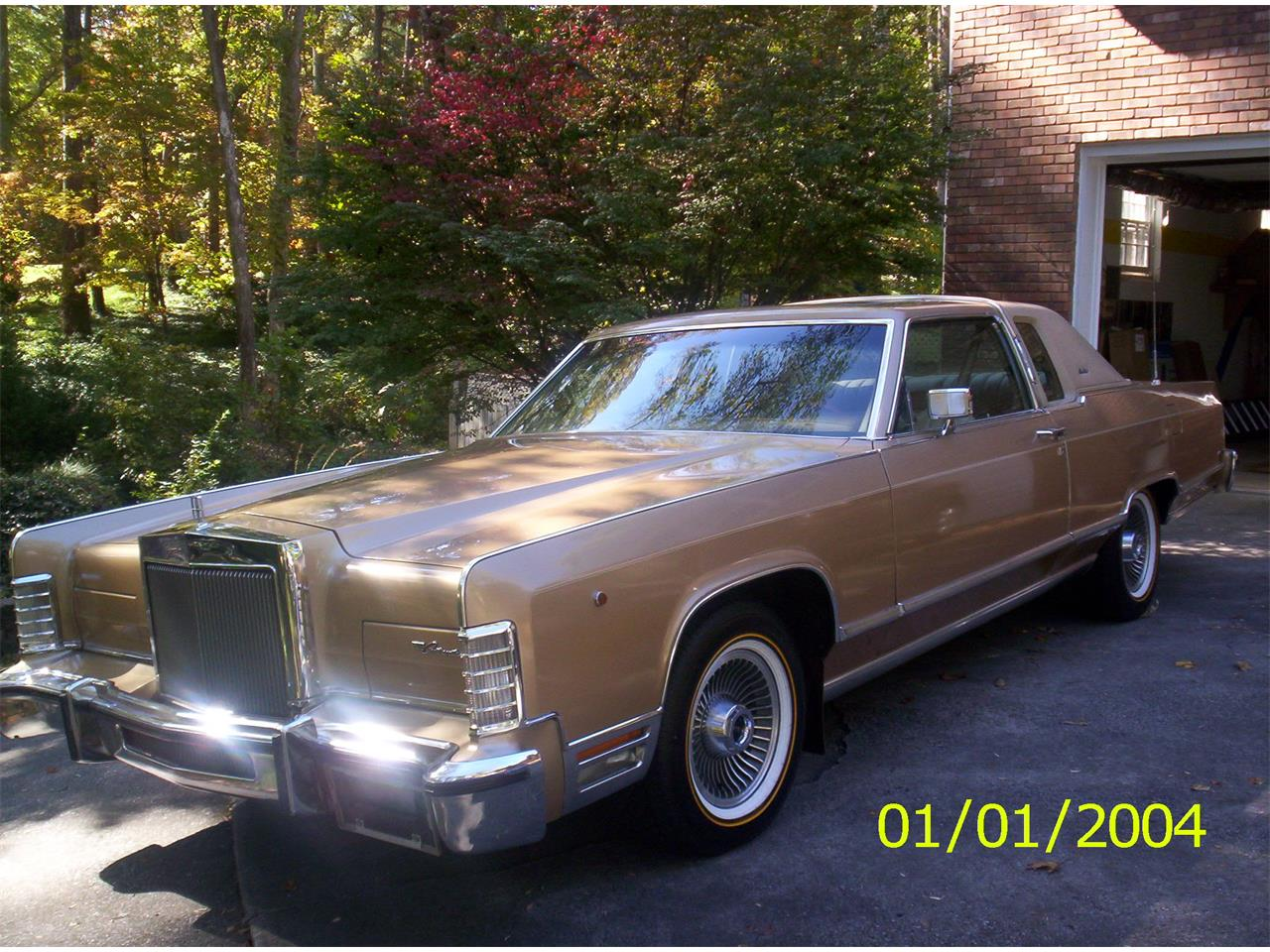 Large Picture of '79 Town Car - $17,000.00 - C6IM