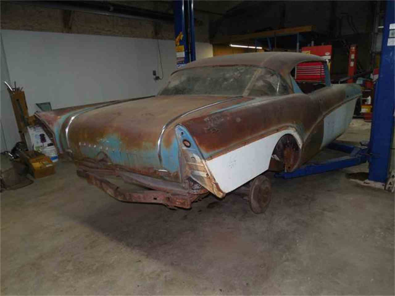 Large Picture of '57 Roadmaster - C6NC