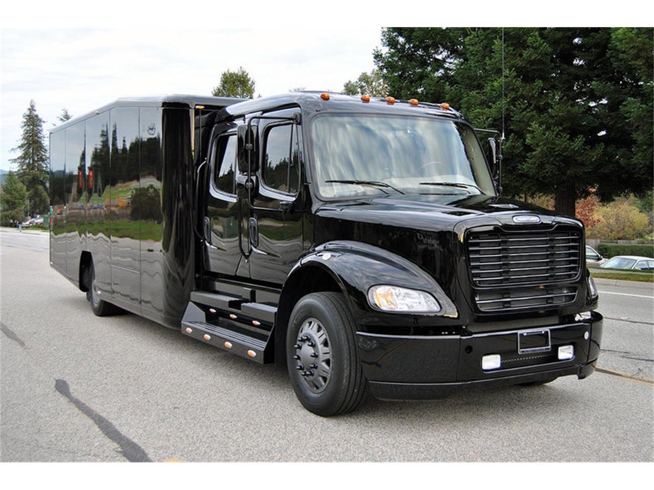 2010 Freightliner M2112 Single Car Transporter for Sale