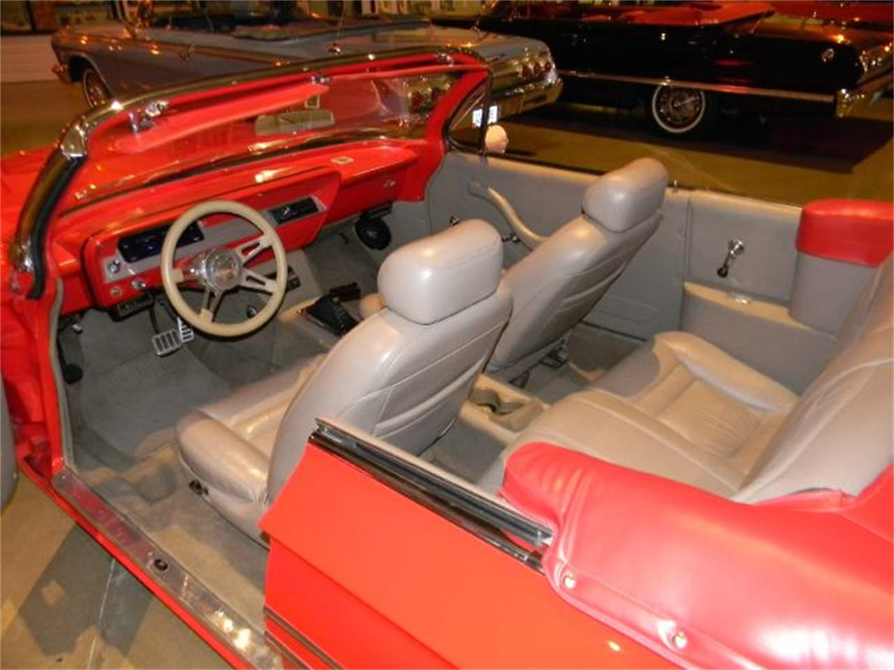 Large Picture of 1961 Chevrolet Impala located in Iowa - CN38
