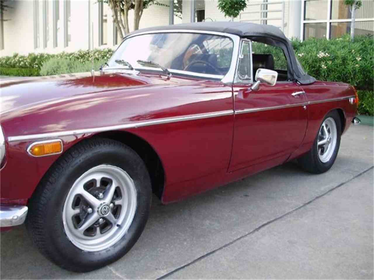 Large Picture of '74 MGB - CNDB