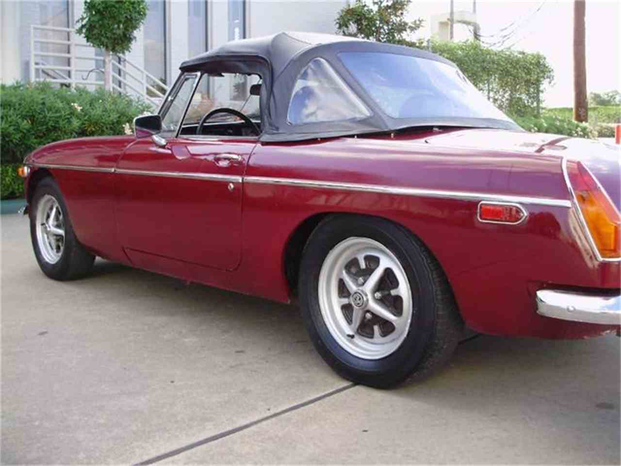 Large Picture of 1974 MGB located in Houston Texas - CNDB