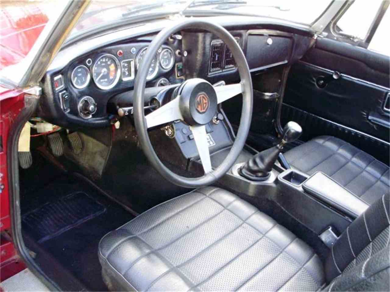 Large Picture of 1974 MGB - CNDB