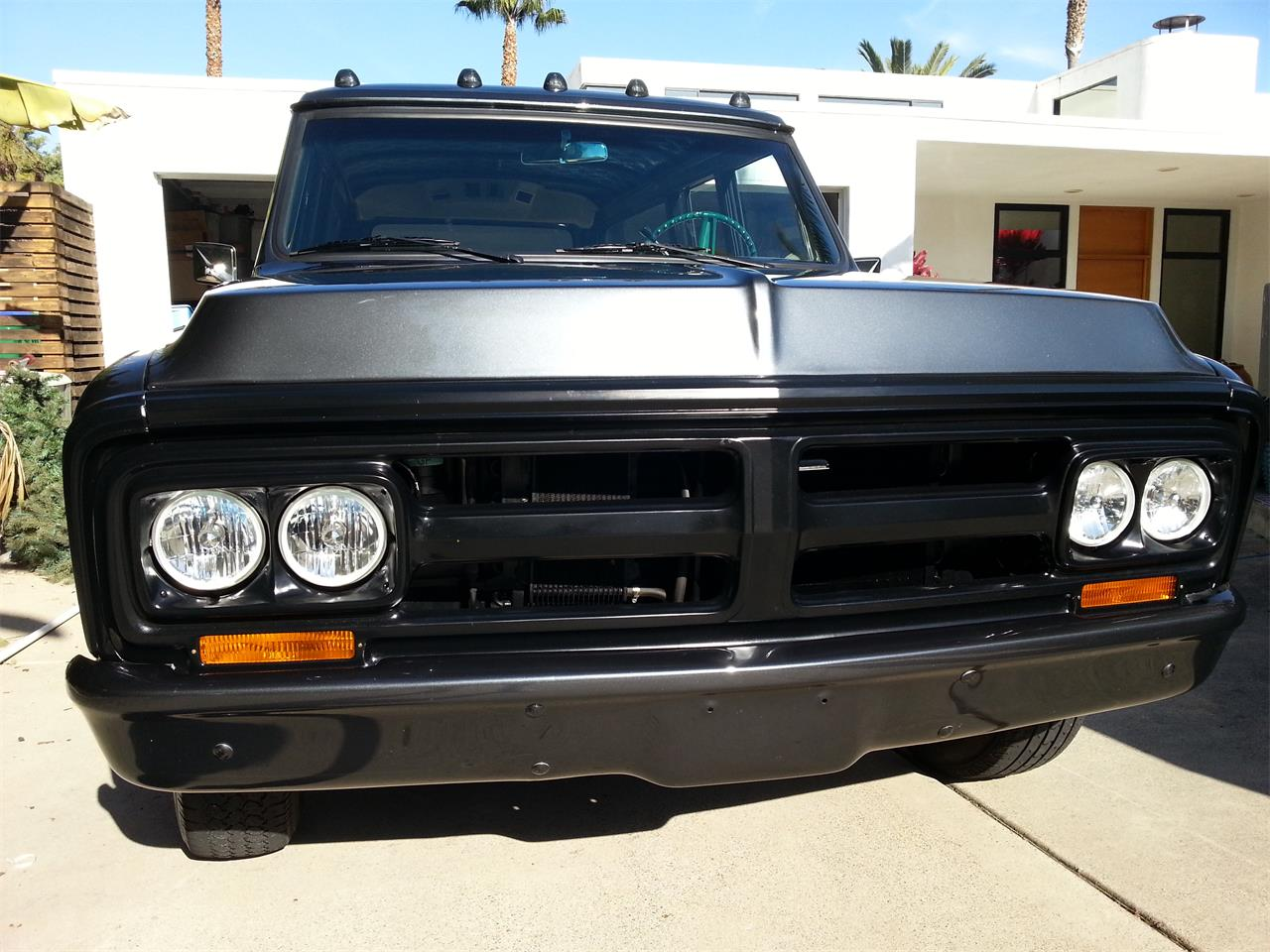 Large Picture of '72 Suburban - COM9