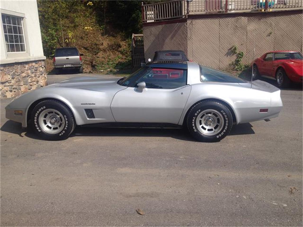 Large Picture of '82 Corvette - CT02