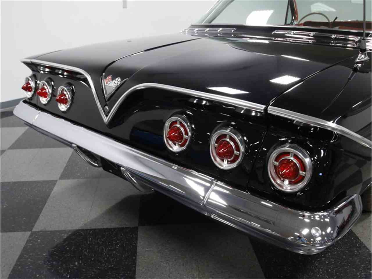 Large Picture of Classic '61 Chevrolet Impala - CV5L