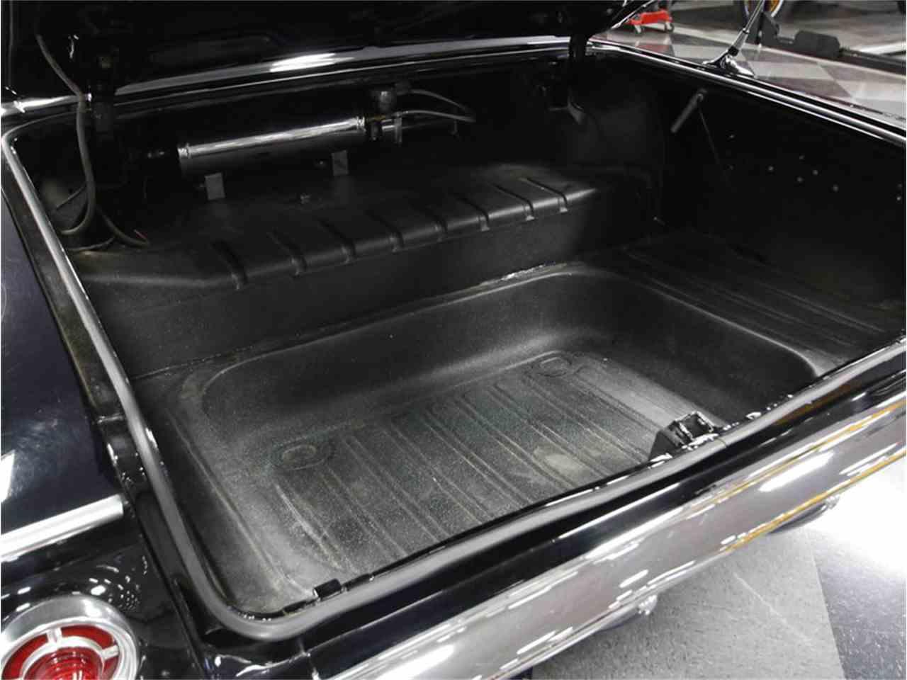 Large Picture of '61 Impala - CV5L