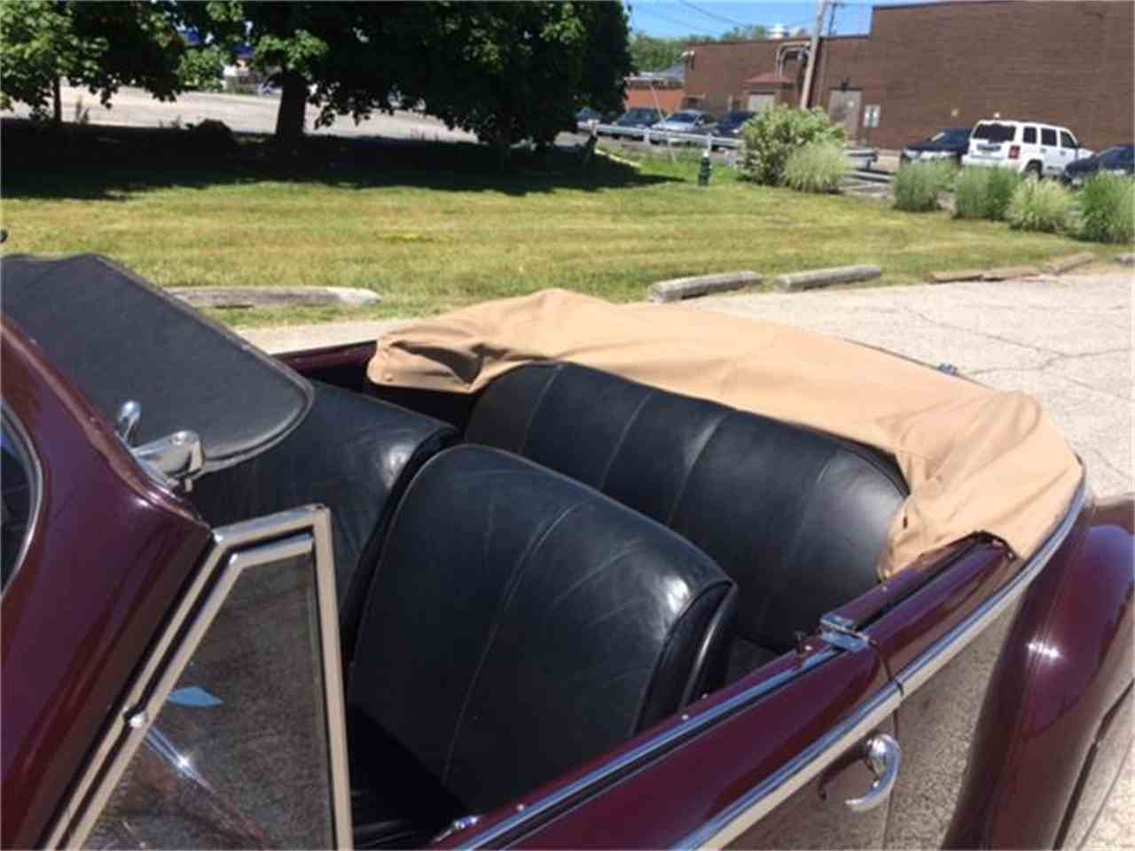 Large Picture of '48 Convertible - D29V