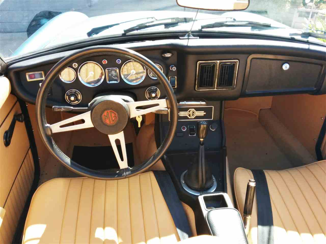 Large Picture of '73 MGB - D4HM