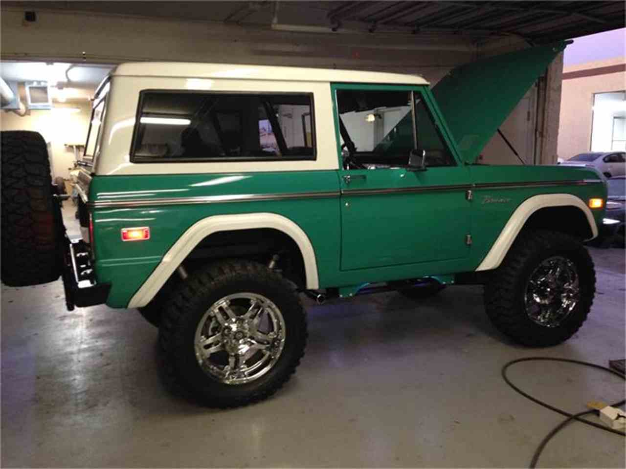 Large Picture of '70 Bronco - D6BX