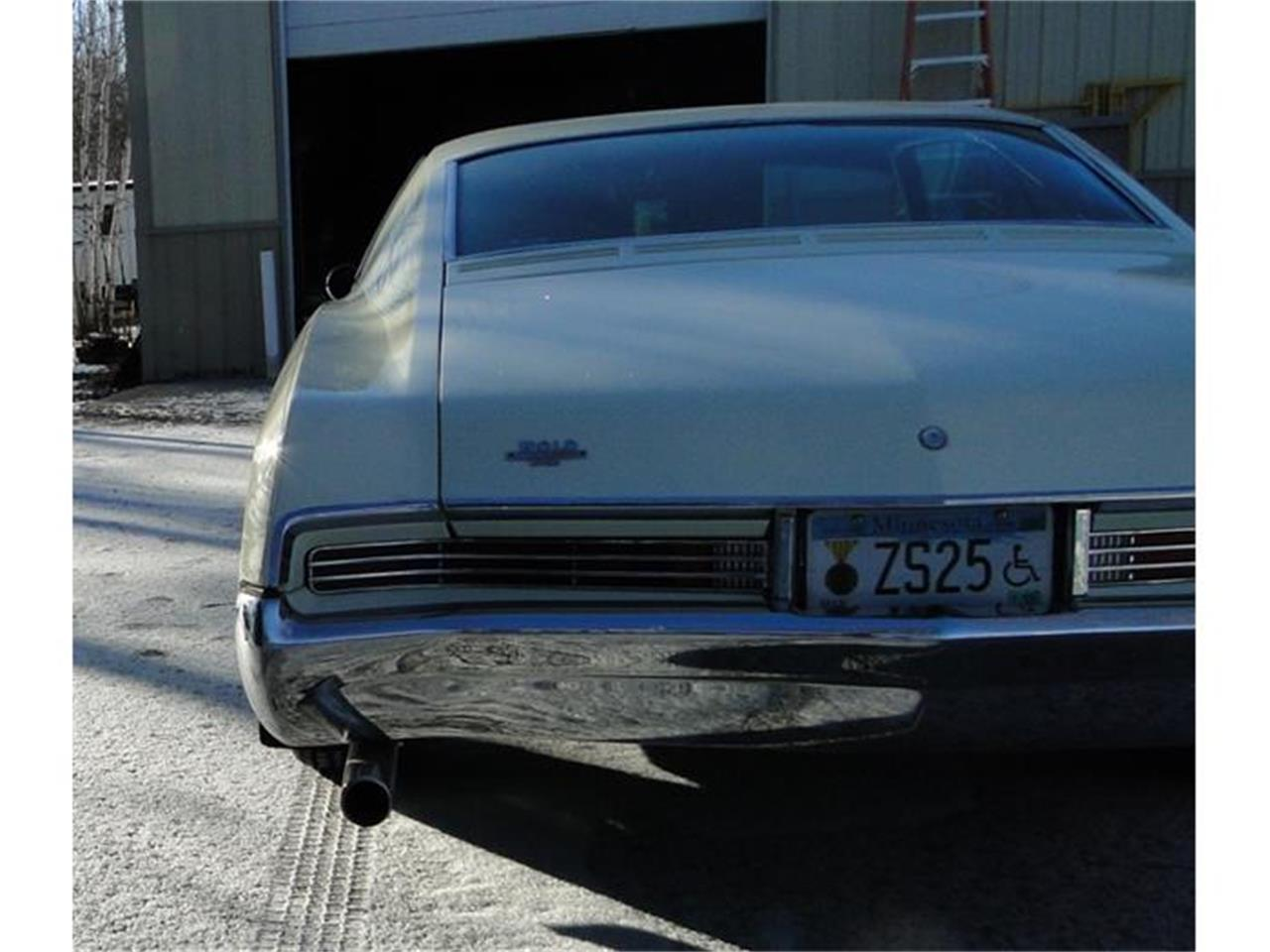 Large Picture of '67 Riviera - DCDW