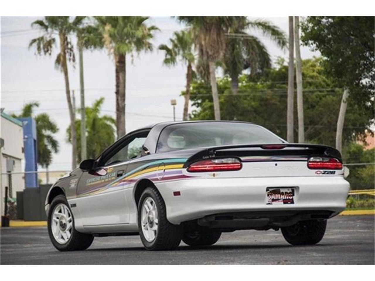 Large Picture of '93 Chevrolet Camaro located in Florida - DHJE