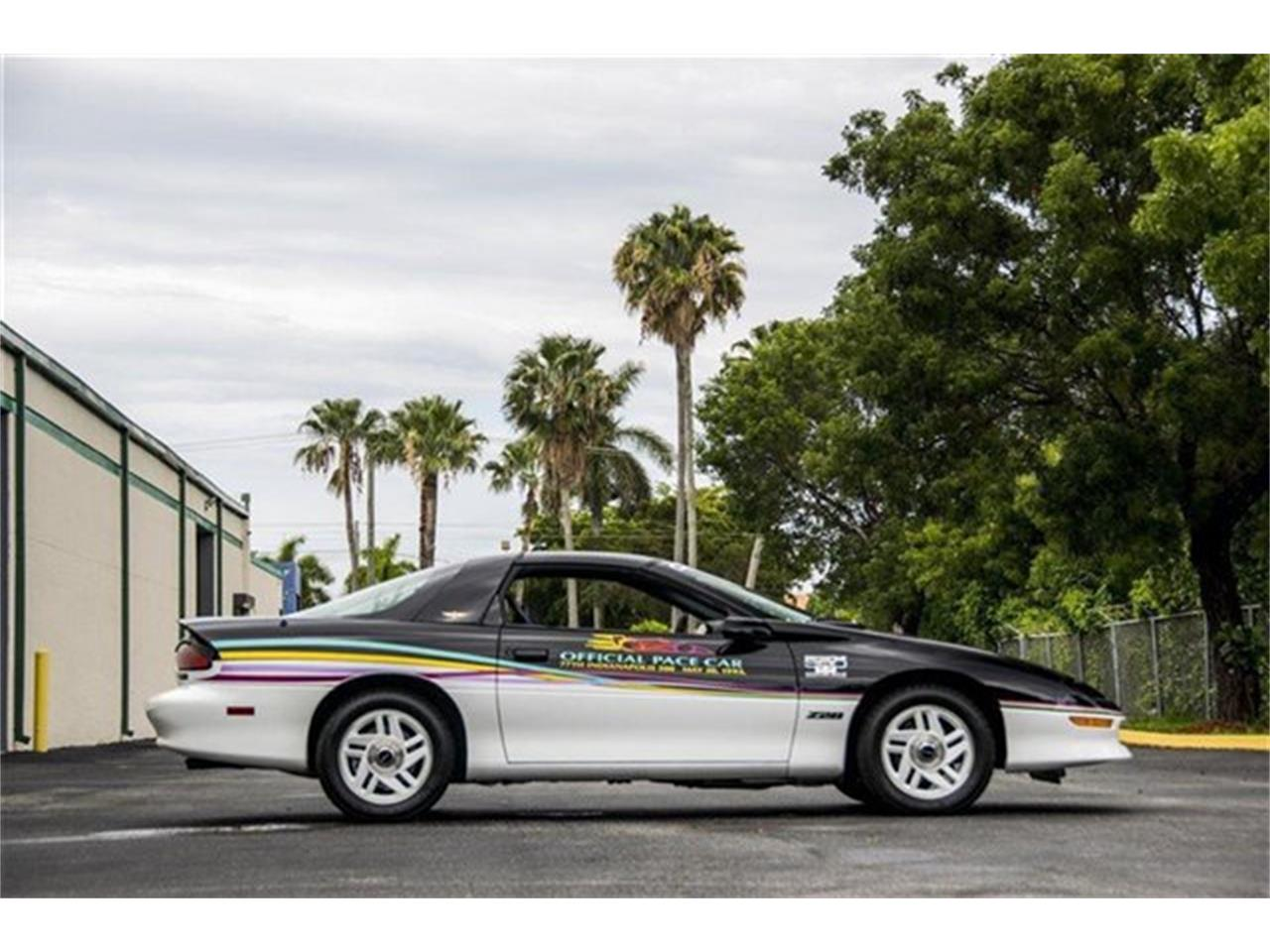 Large Picture of '93 Camaro - DHJE