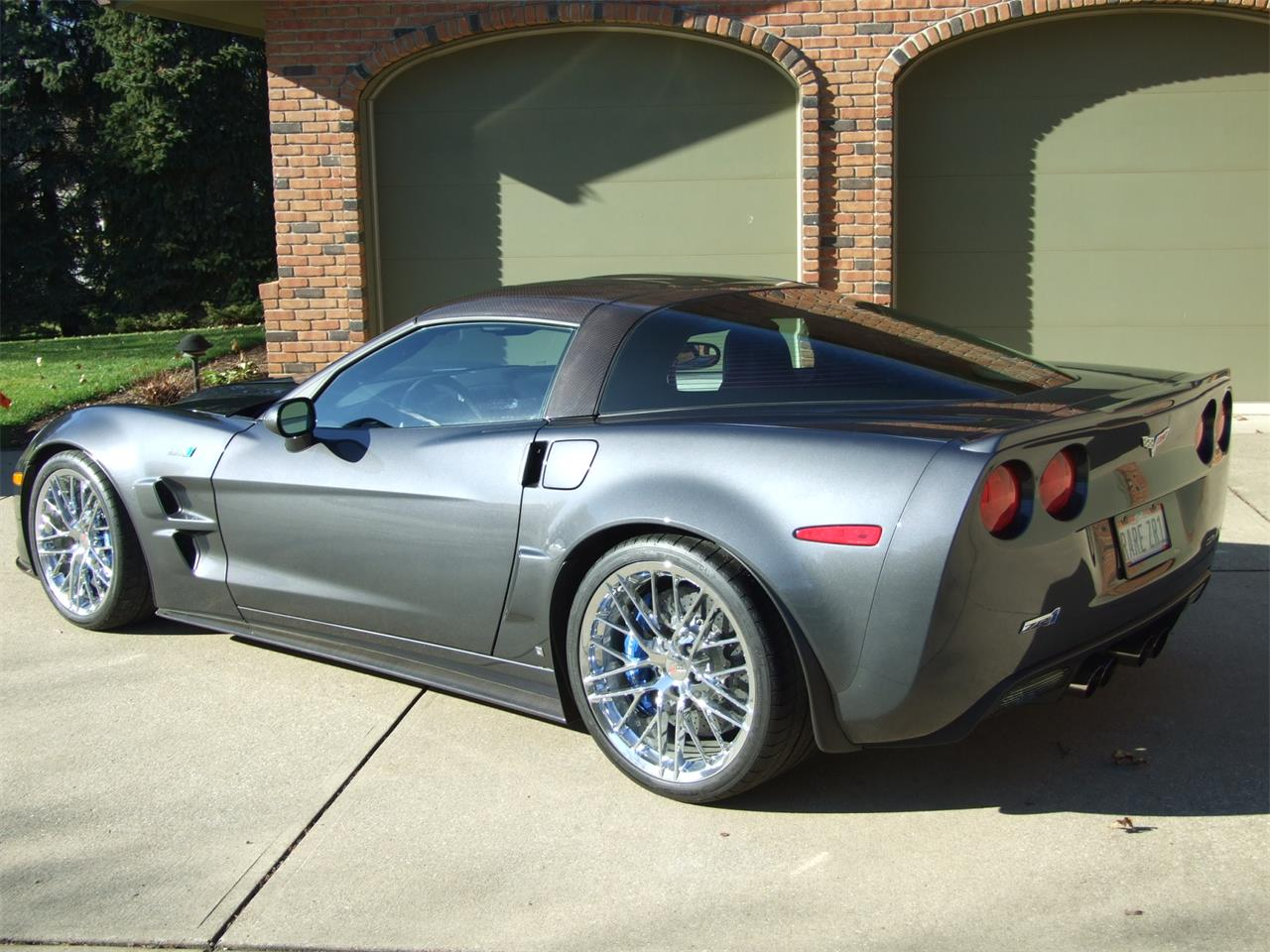 Large Picture of '09 Corvette ZR1 located in Ohio Offered by Auto Connection, Inc. - DJBI