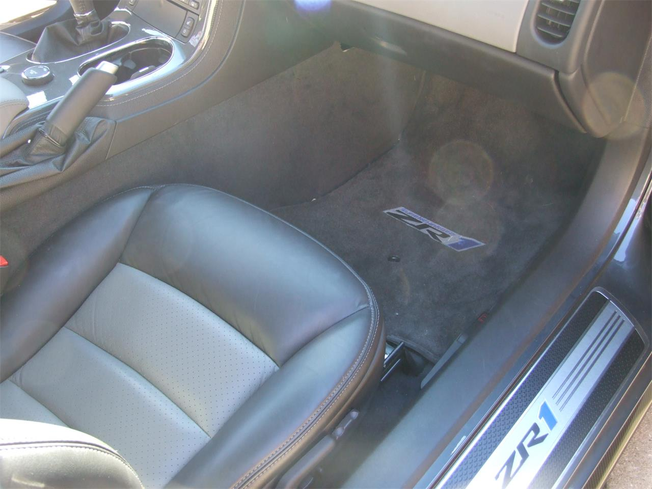 Large Picture of '09 Chevrolet Corvette ZR1 - $75,000.00 Offered by Auto Connection, Inc. - DJBI