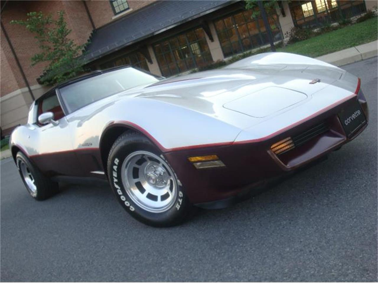 Large Picture of 1982 Chevrolet Corvette located in Pennsylvania - DL5R