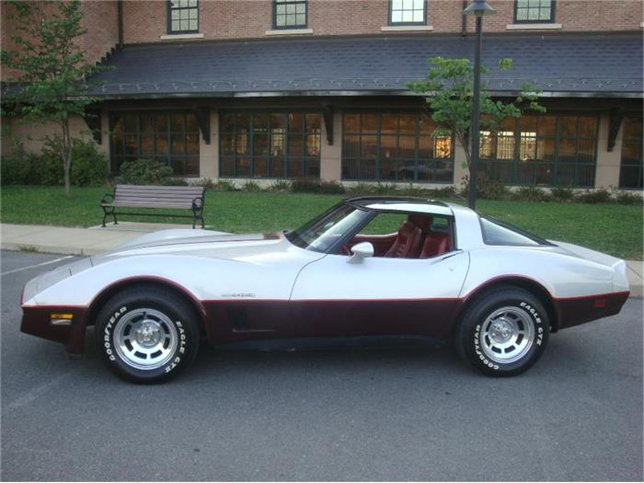 Large Picture of 1982 Chevrolet Corvette located in Old Forge Pennsylvania Offered by Coffee's Sports and Classics - DL5R