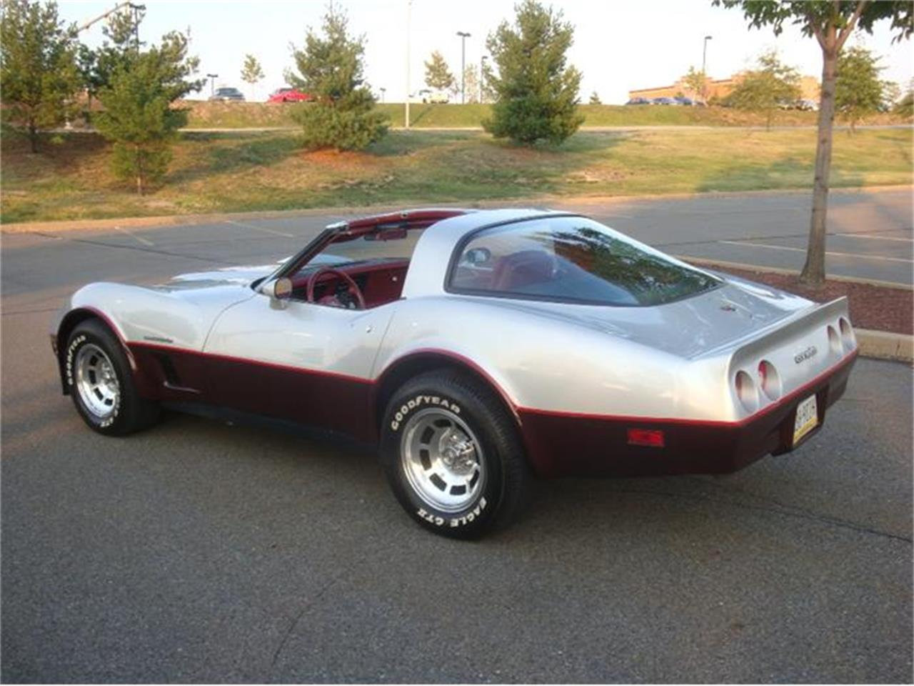 Large Picture of '82 Chevrolet Corvette Offered by Coffee's Sports and Classics - DL5R