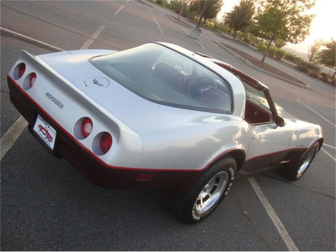 Large Picture of '82 Chevrolet Corvette located in Old Forge Pennsylvania - $29,900.00 - DL5R